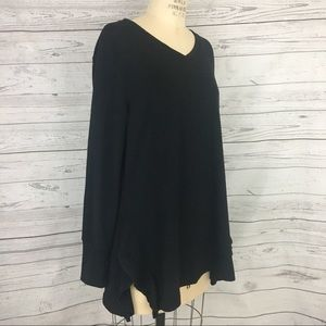 H by Halston black v neck oversized tunic sweater
